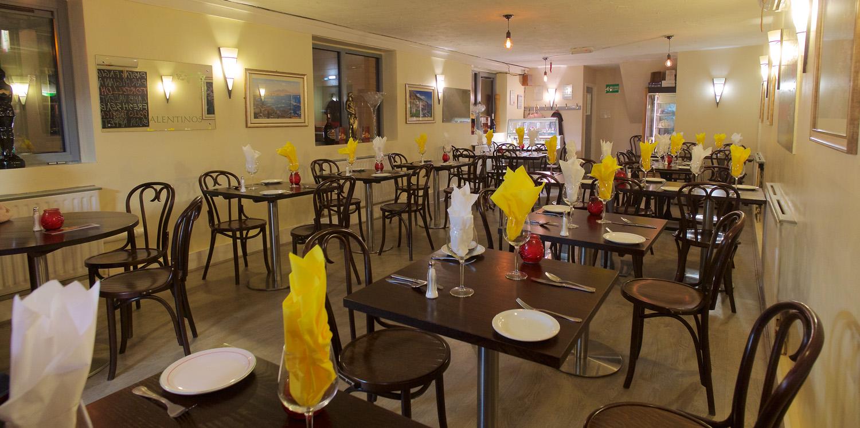 valentinos italian restaurant oldham main room